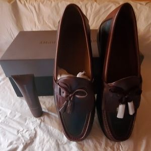 New Johnston & Murphy leather loafers size 9N